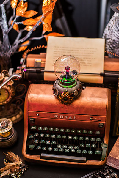 Rogue Winterfest 2016 Culinary Christmas Classic Steampunk Night Tree Royal Typewriter Closeup