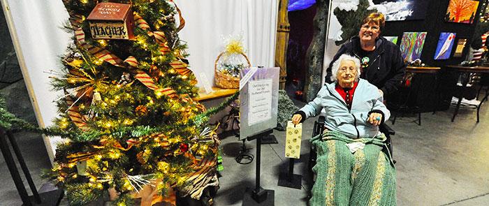 Golden Social Guest at Teacher Tree